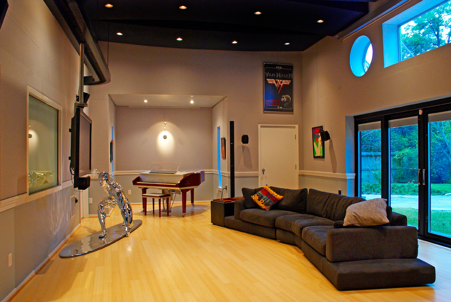 The sound producer s producers american builders quarterly for The family room recording studio